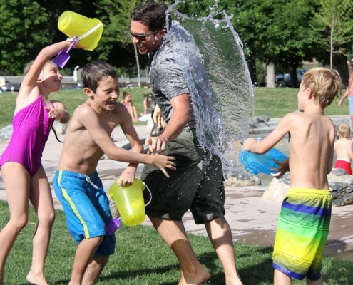 Family gathering tips water fight children water play