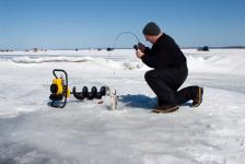 ice fishing is Things to do in Pinawa