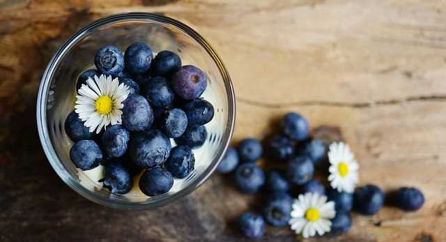 blueberry-table-setting