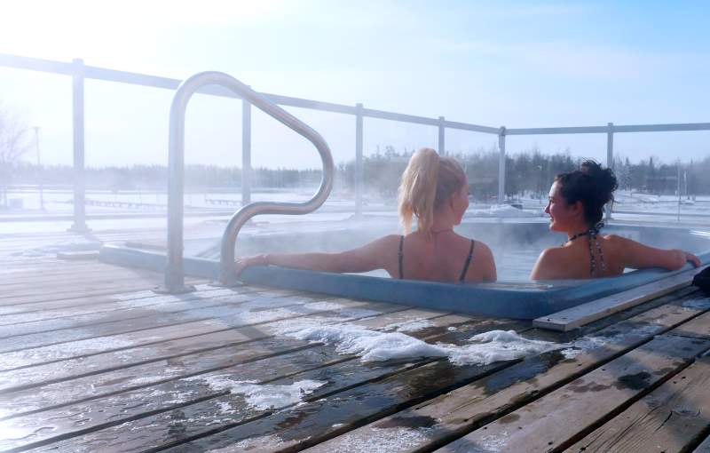 Manitoba Wellness Retreat start with a hot tub soak